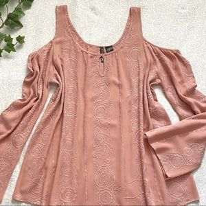 Ivory Love rose print cold-shoulder blouse, pink